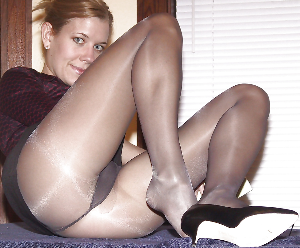 Amateur Amateur Girls In Pantyhose Collant And Stocking 2 ExxxtraSmall 1
