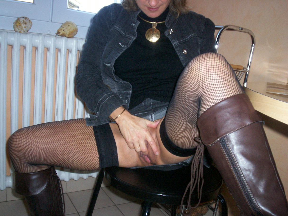 Aline (French MILF)