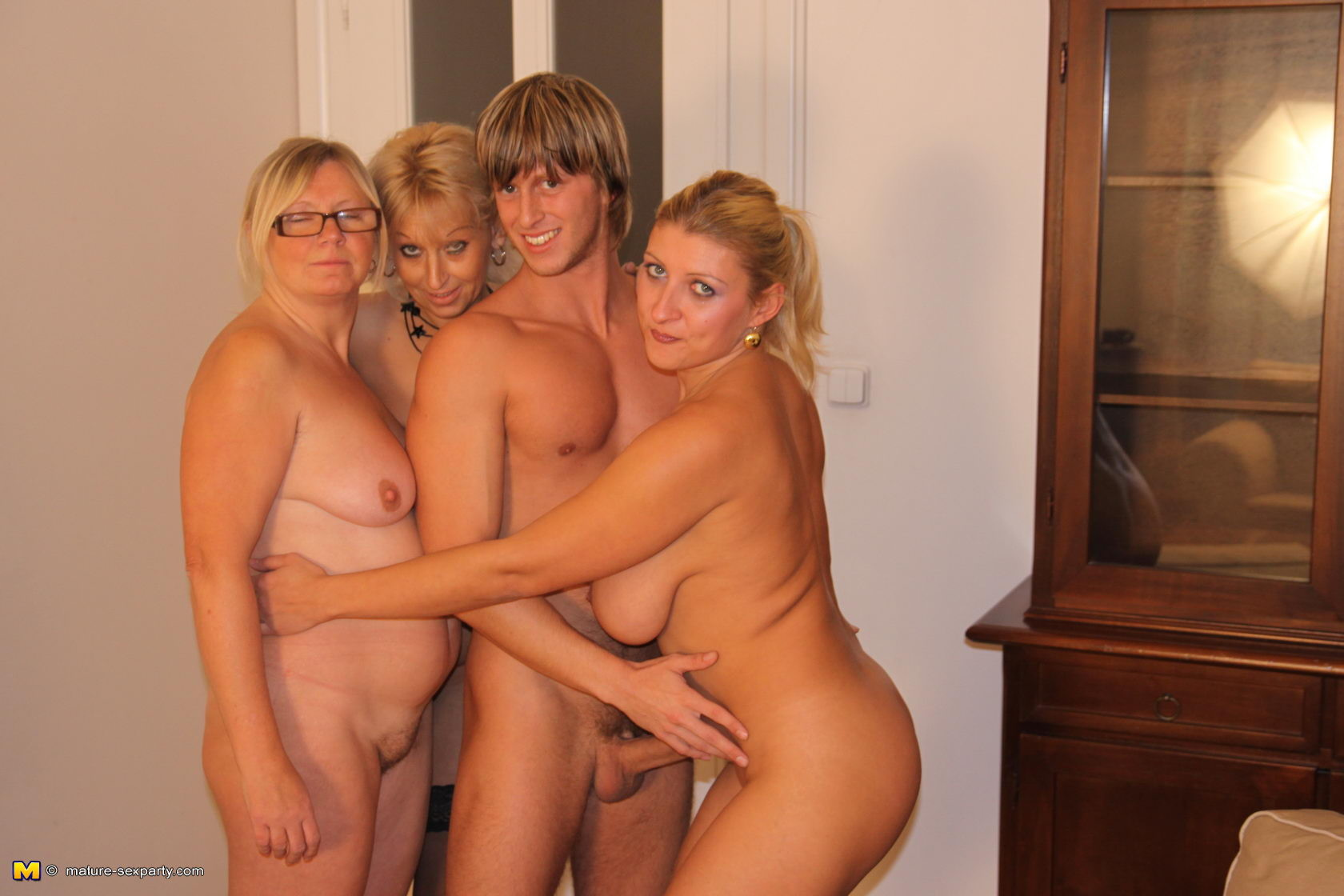 young family nudist nude
