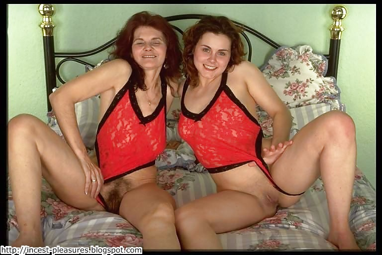 Real mothers and daughters posing nude pics