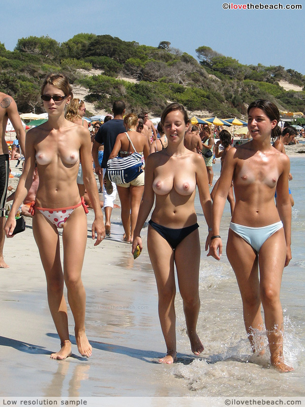 Party topless girls group