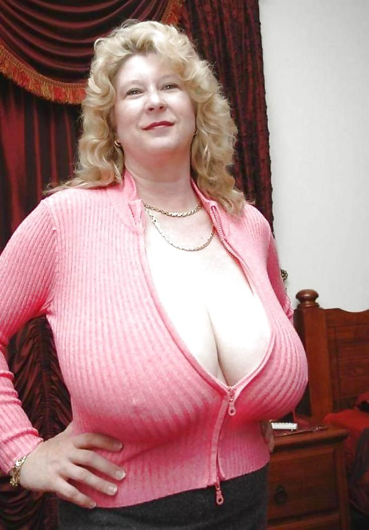 Big breasted german mutter and her fat vagina 4