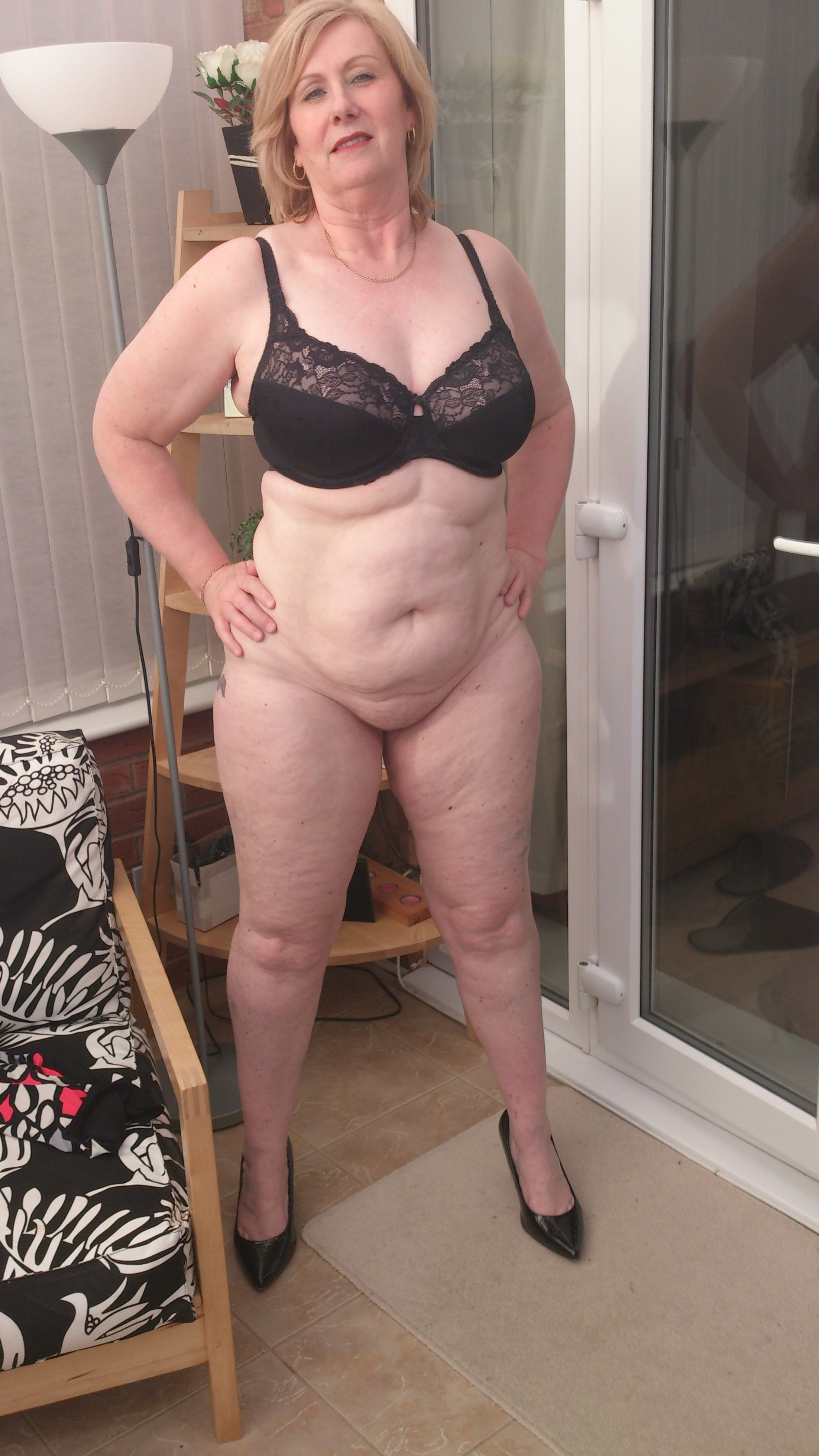 Milfs giting fucked out side