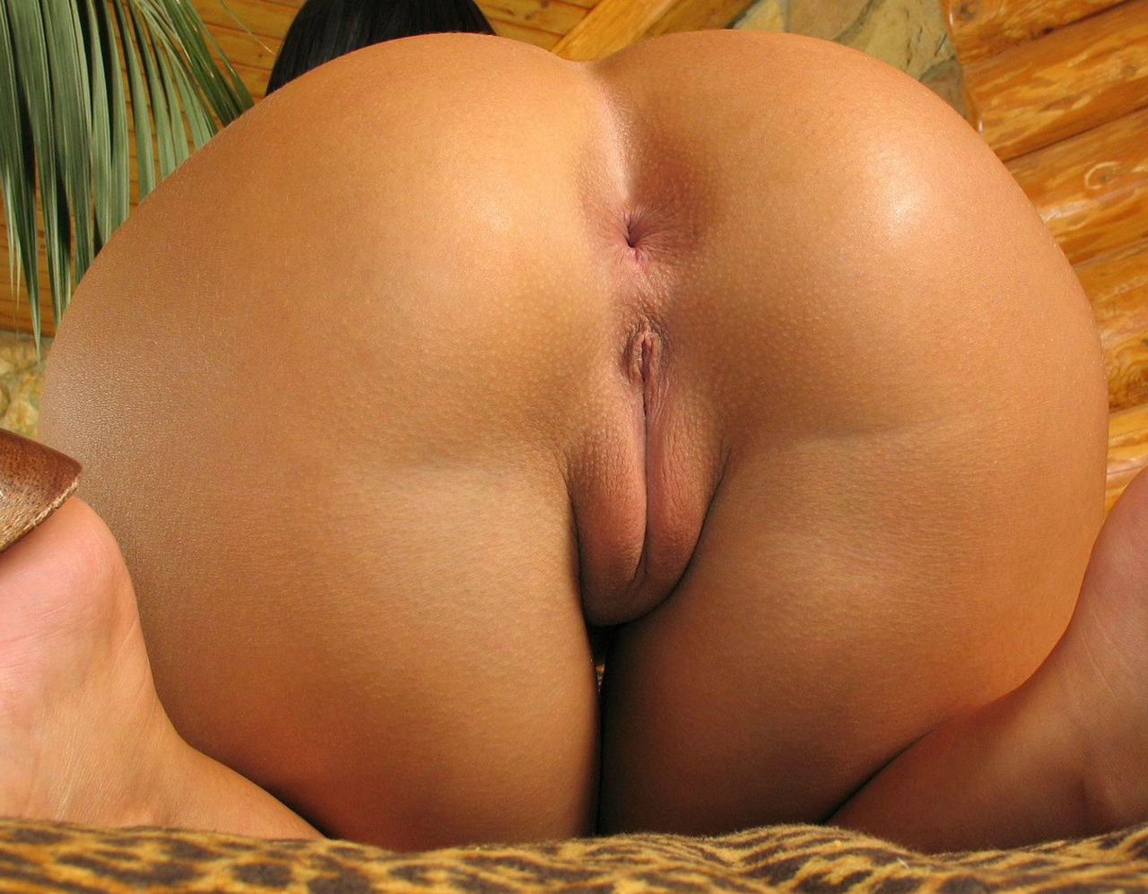 close Shaved up pussy and ass