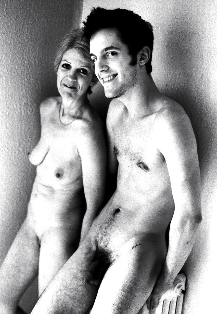 Mom Posing Nude For Son