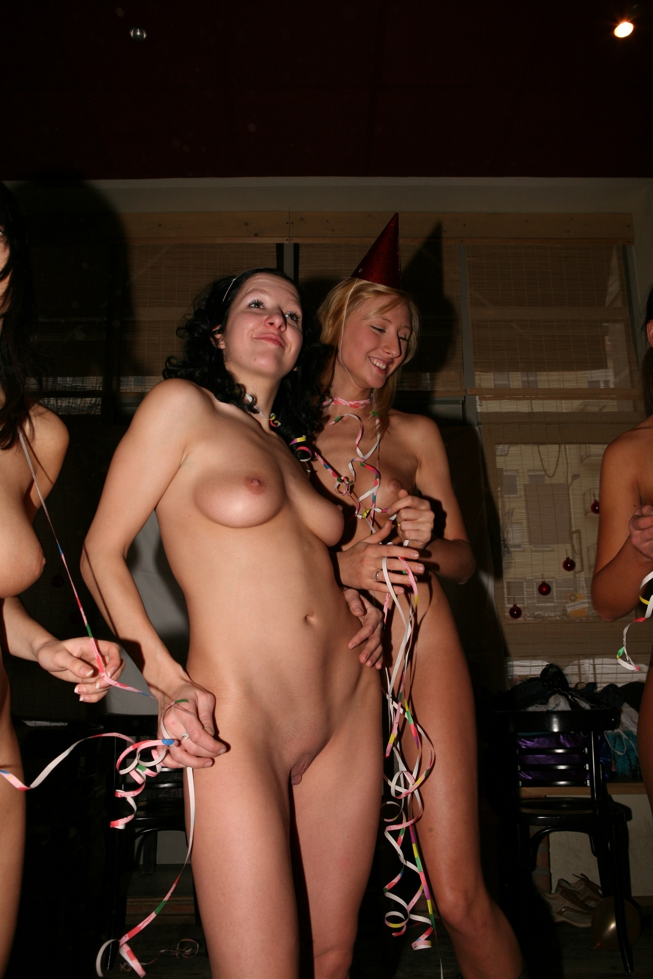 Teenie fucked nude party images