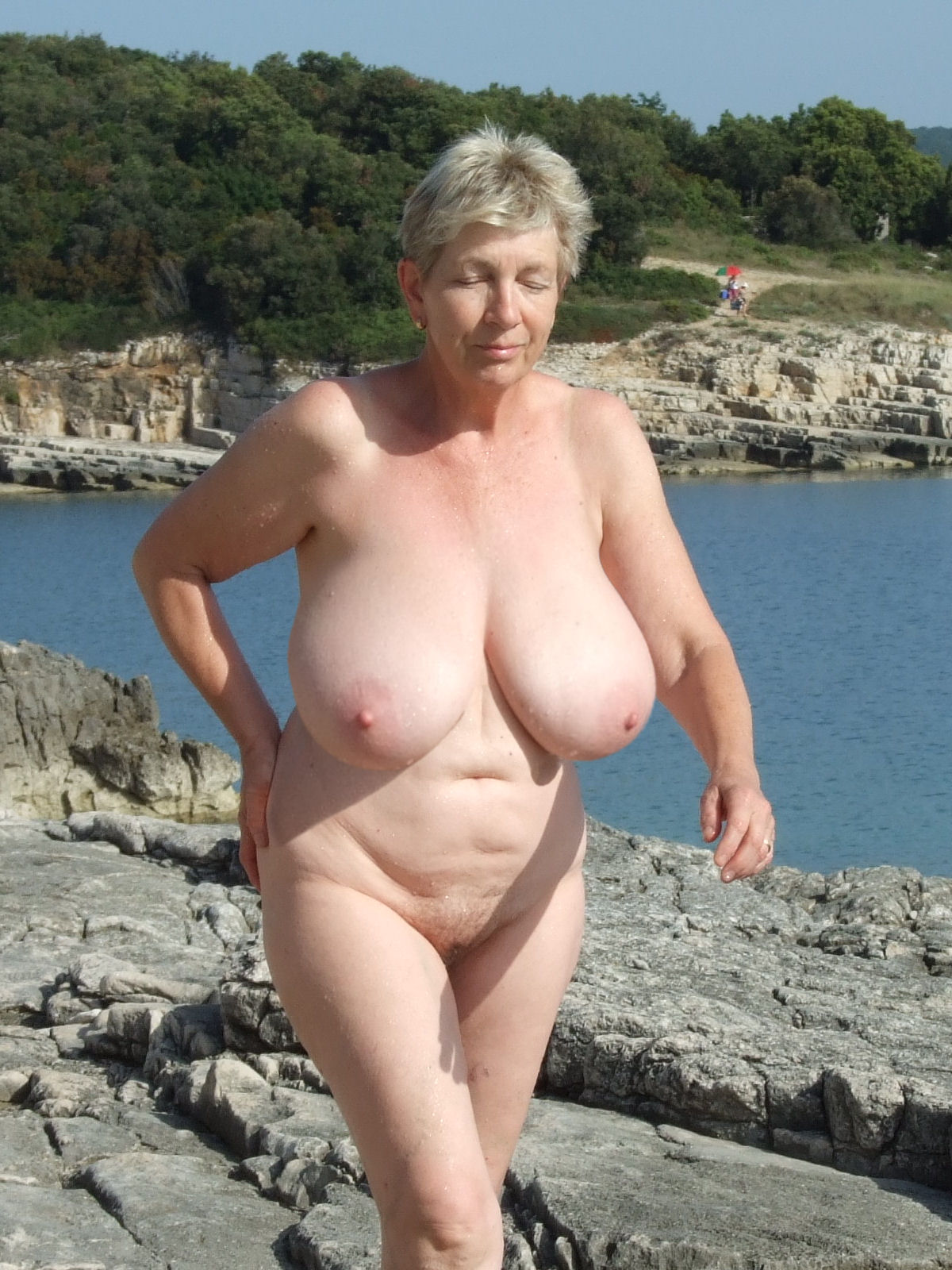 Old woman boob big
