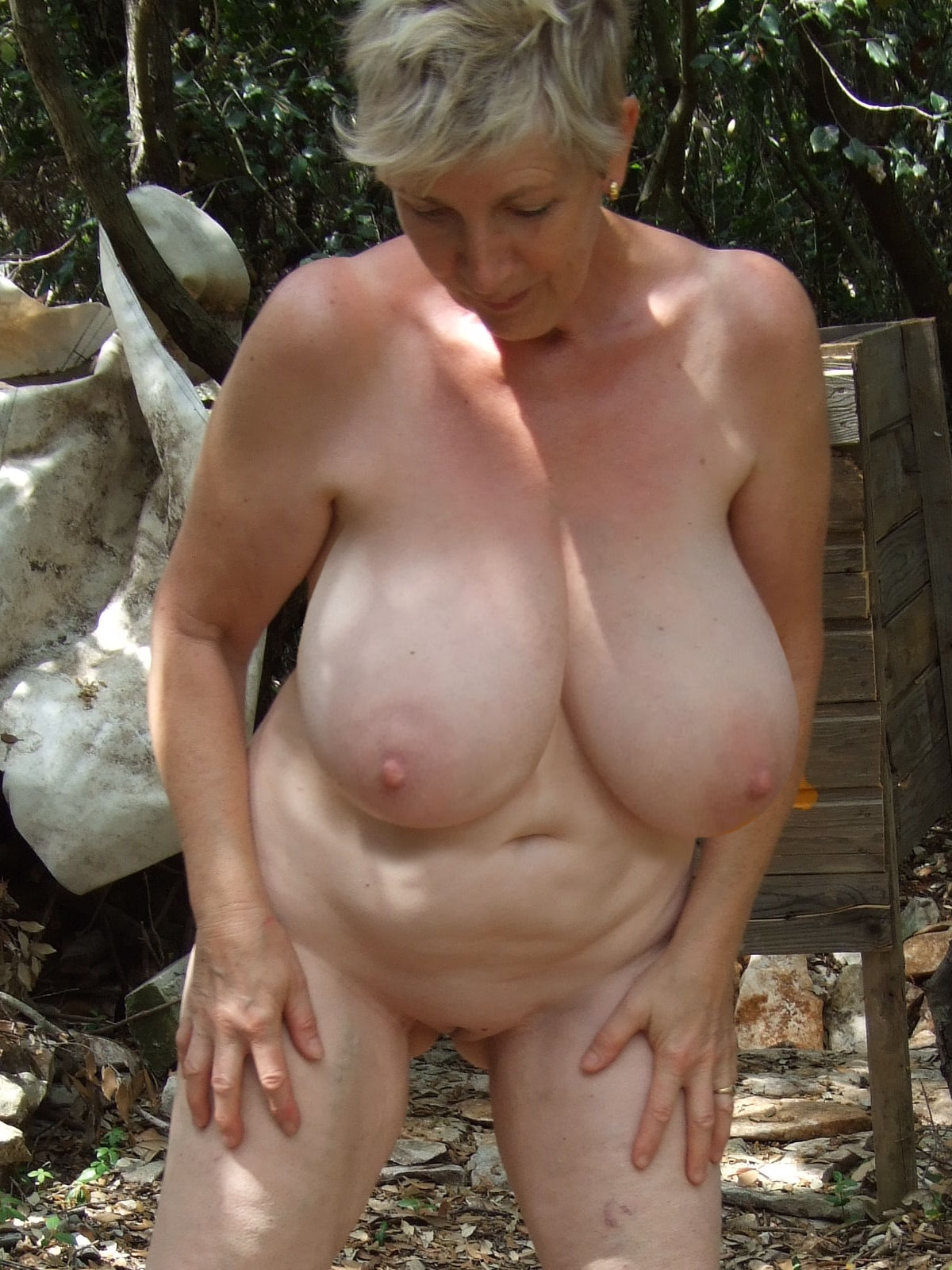 Perfect tits on older woman