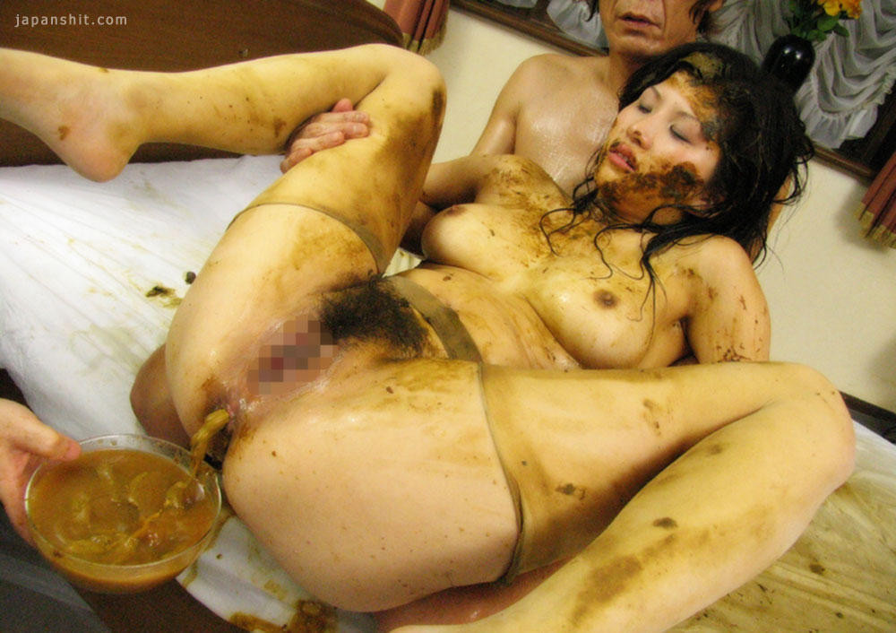 Extreme kaviar in the bathtub janet scat porn watch online