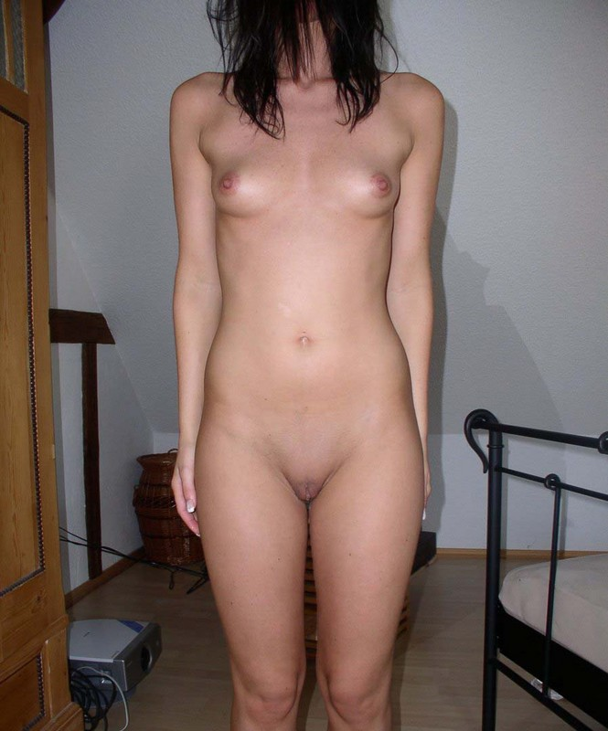 Frontal amateur full standing