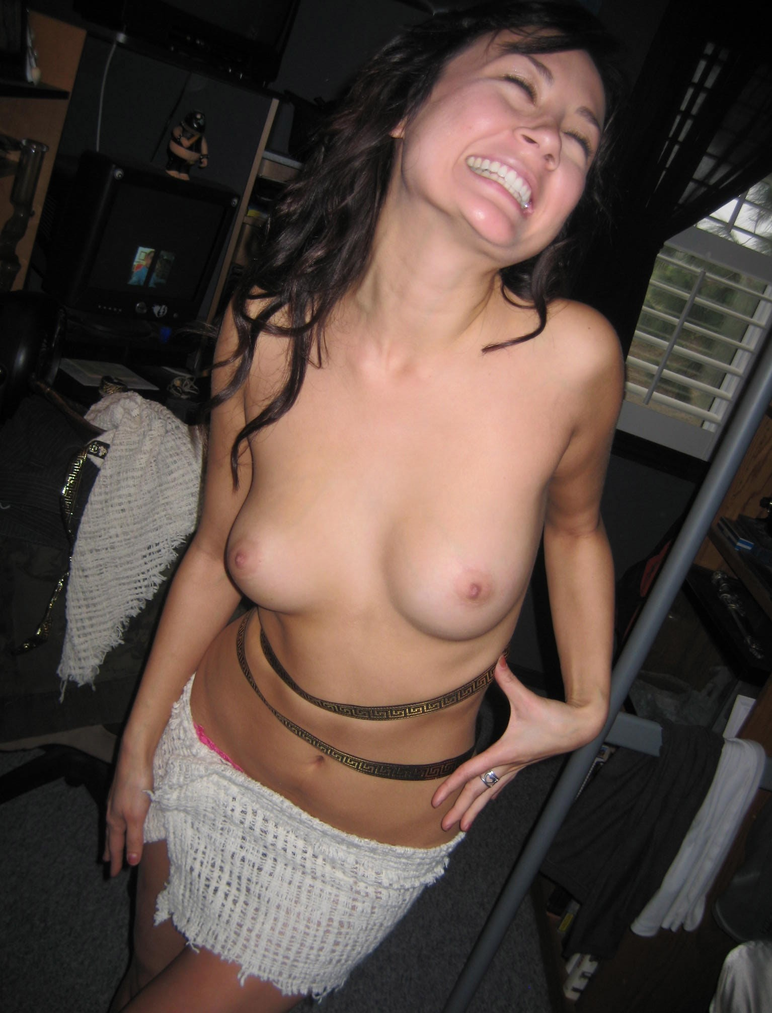 Black haired beautiful woman naked