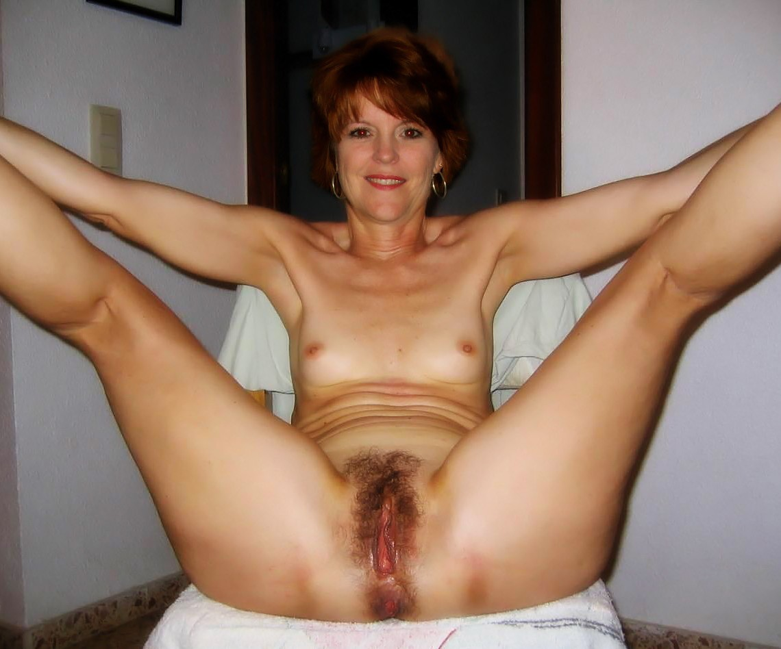 Mature gaping cunt