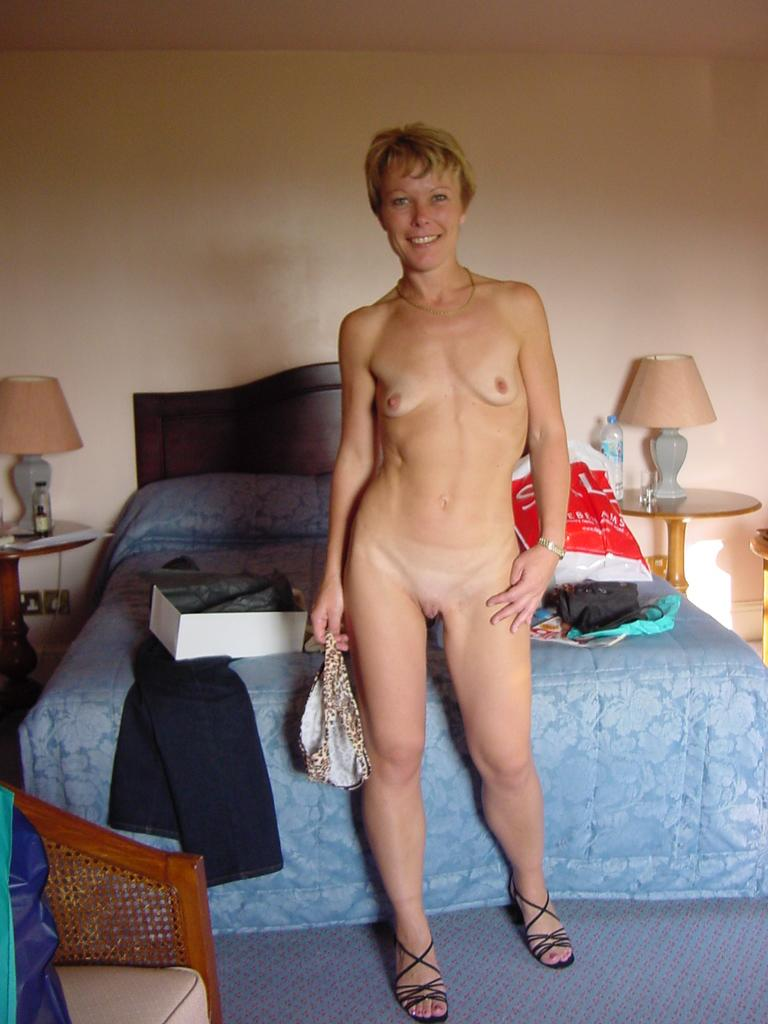 Thin short small breasted mature women nude — photo 15