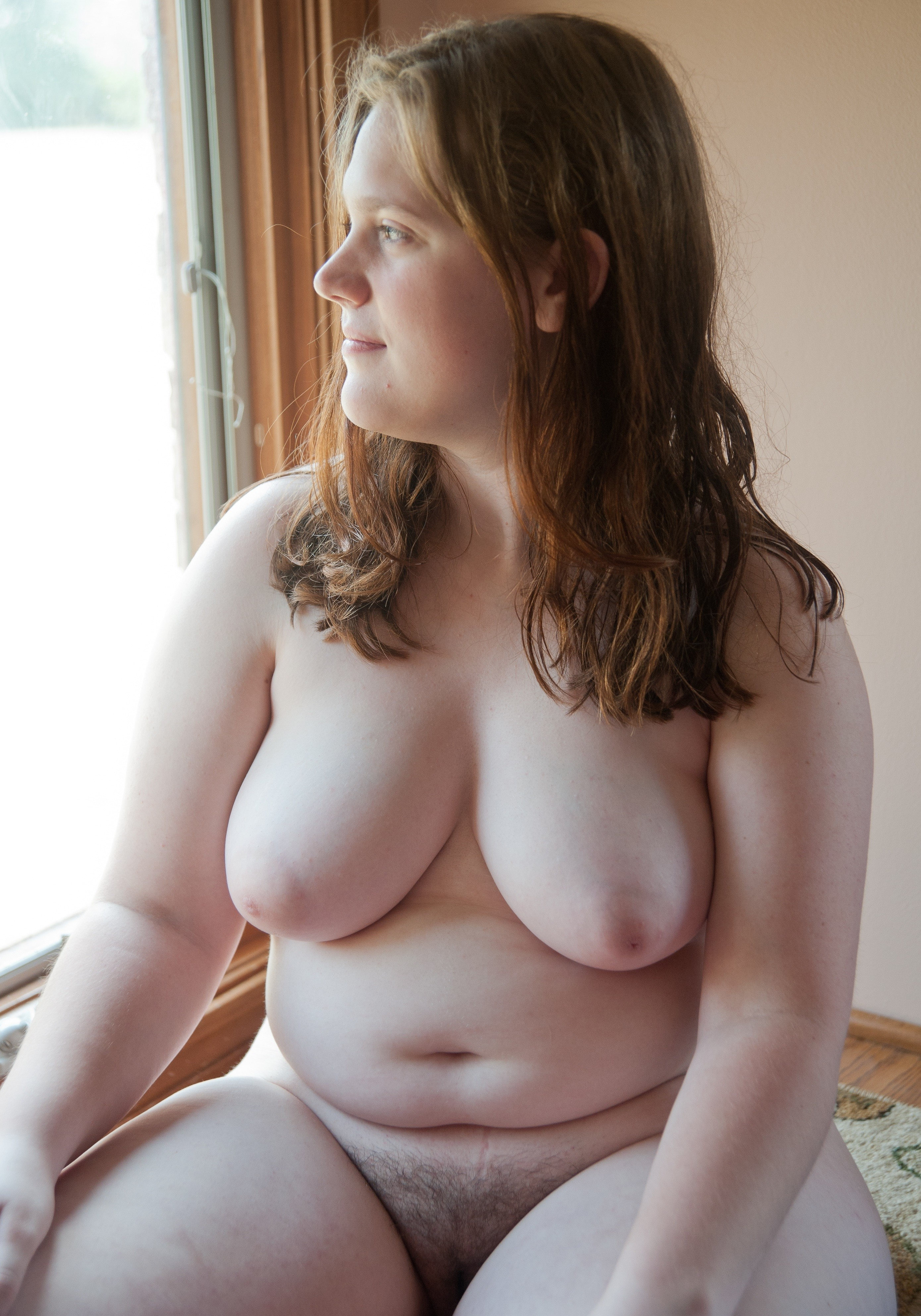 My wife showing her pussy hair from pentie