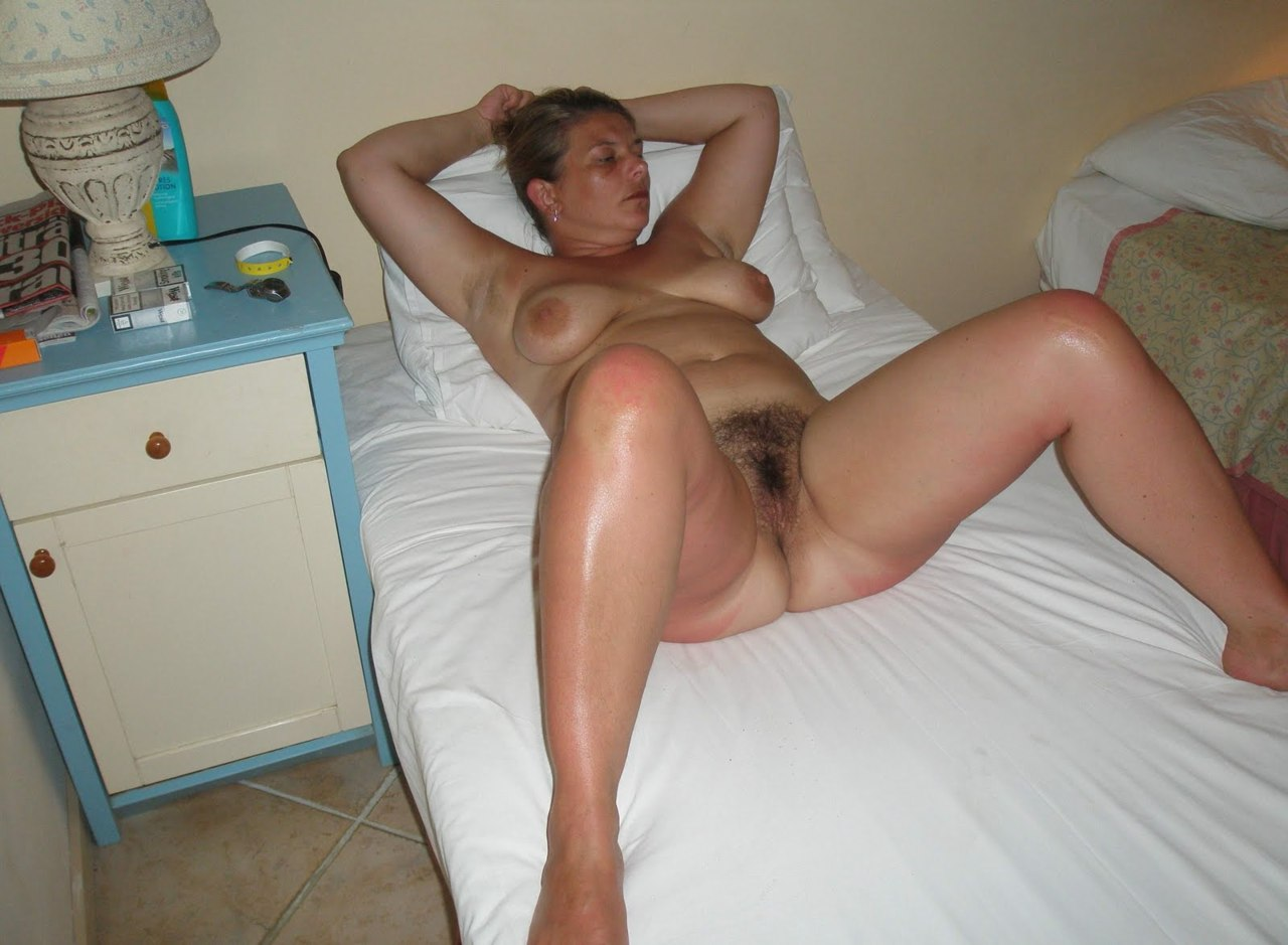 Eagle spread hairy nude mom