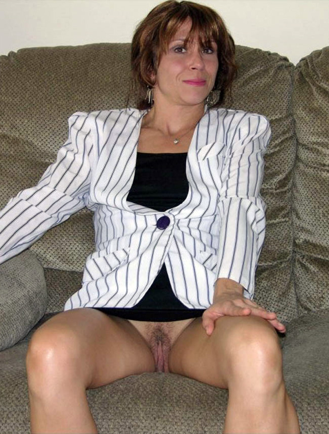 Idea Mature lady upskirt something is