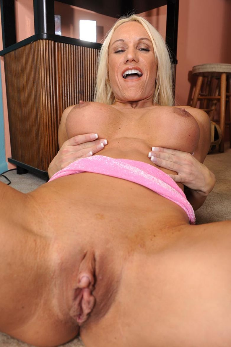 Hot shaved pussy milf