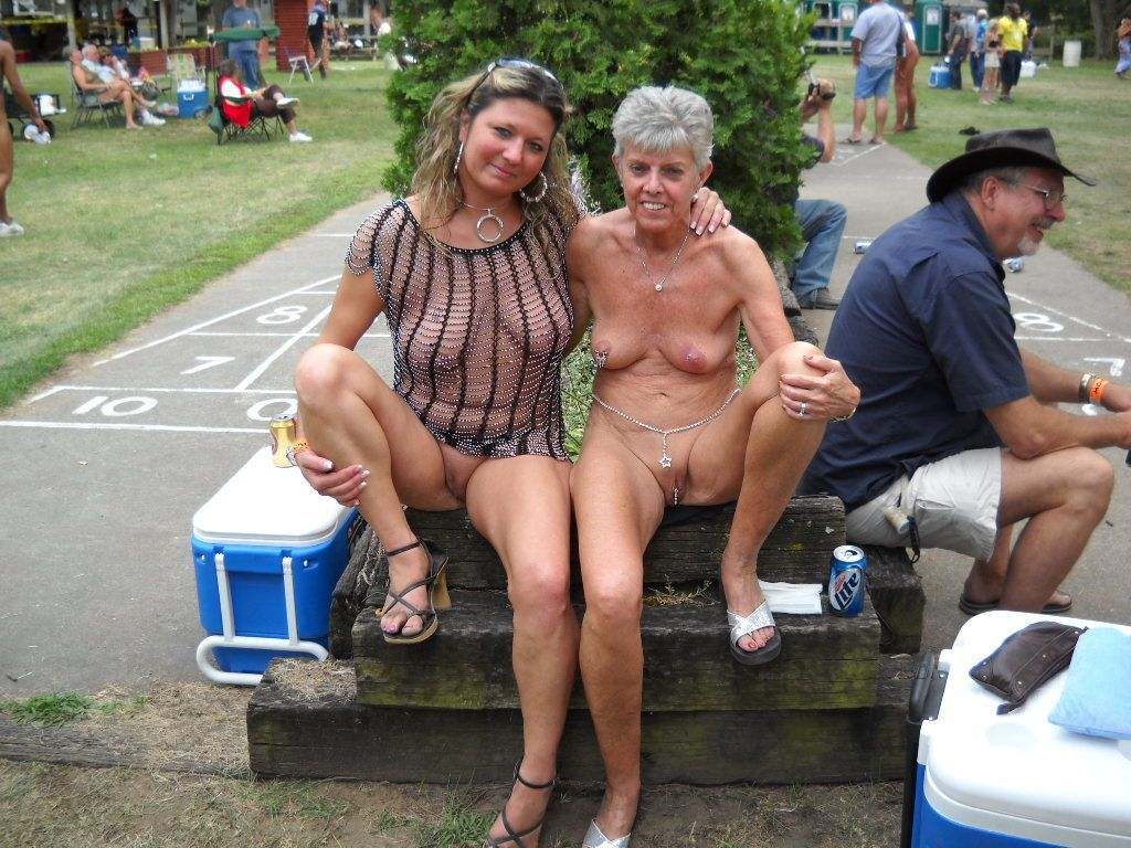 Naked older women group photo