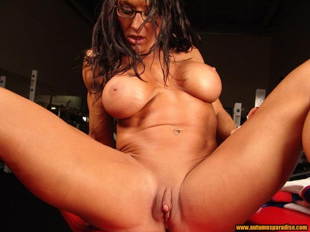Stretched asian pussy holes