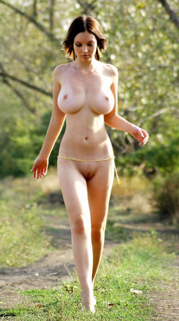 tall-amateur-nude-outdoors-bed-sex