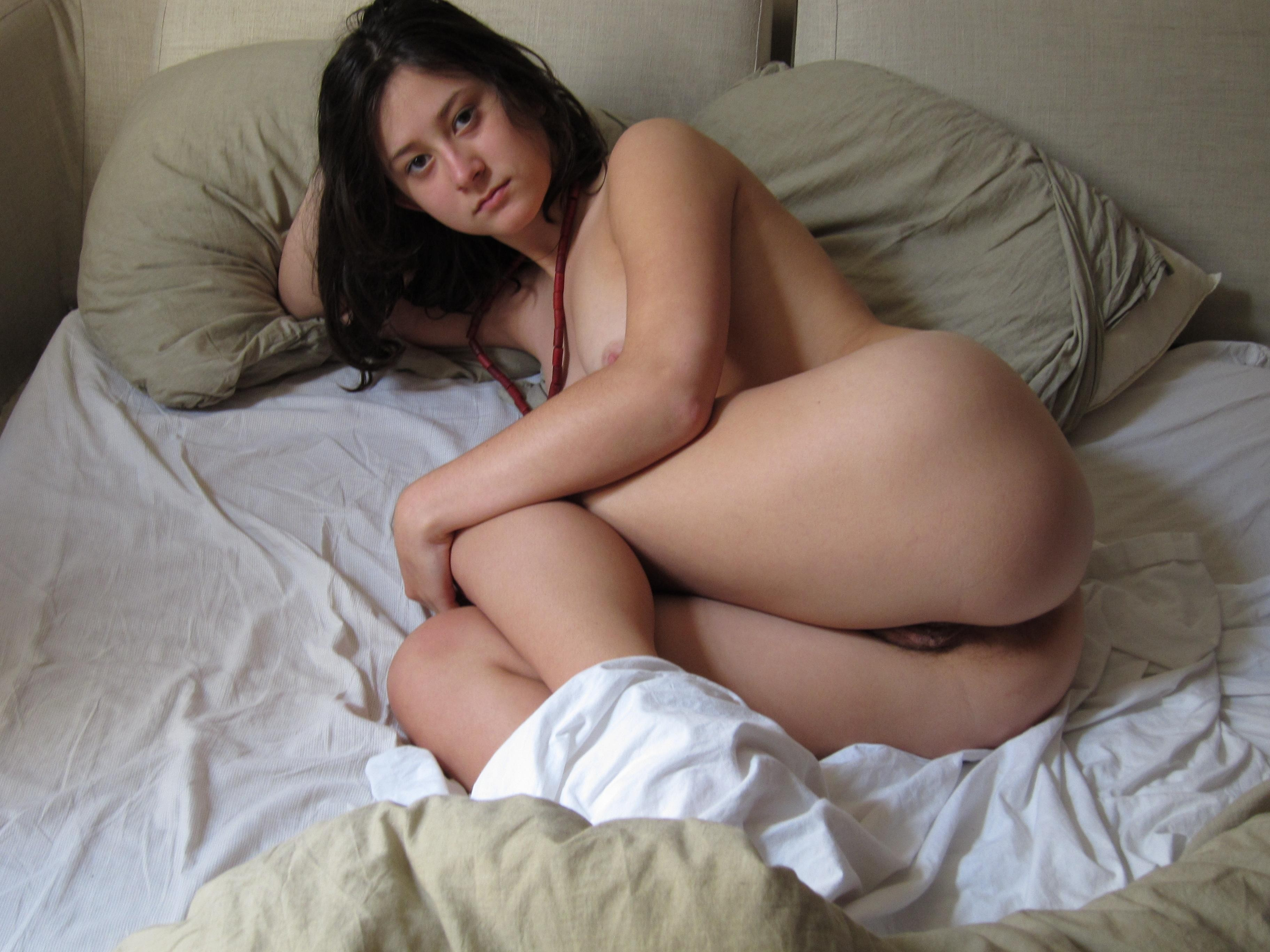 girls Lovely hairy pussy
