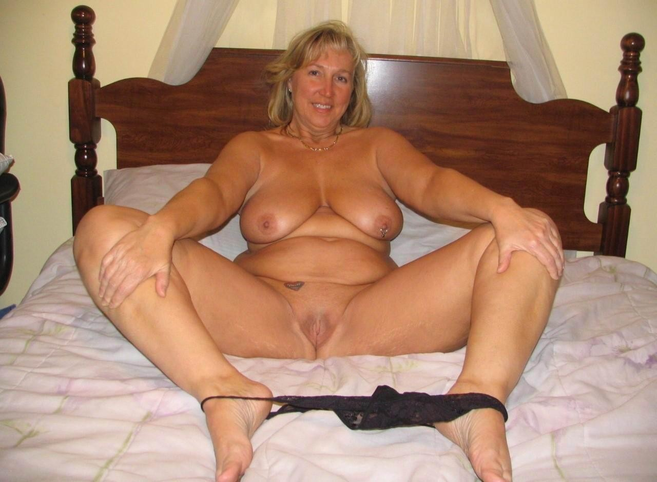 Real moms naked