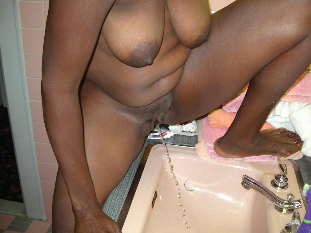 Fat women pissing, foto dan kisah video lesbi supersexie
