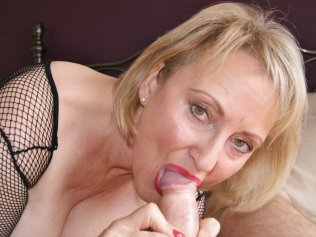 Free british mature porn photo