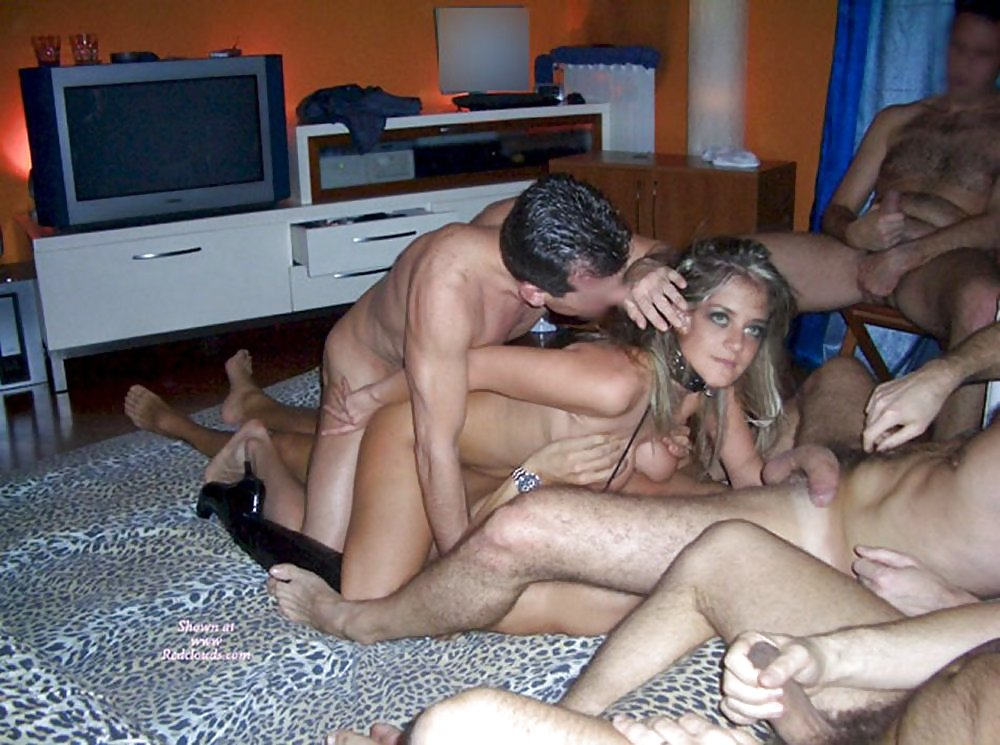 Ametuer gangbang galleries