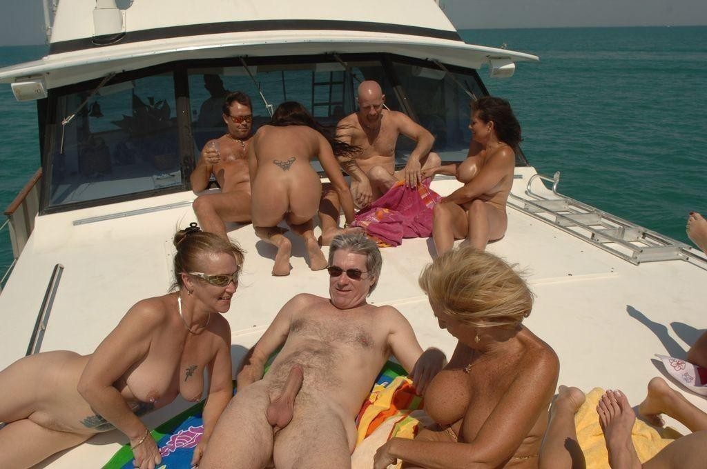 sex-partys-on-the-beach