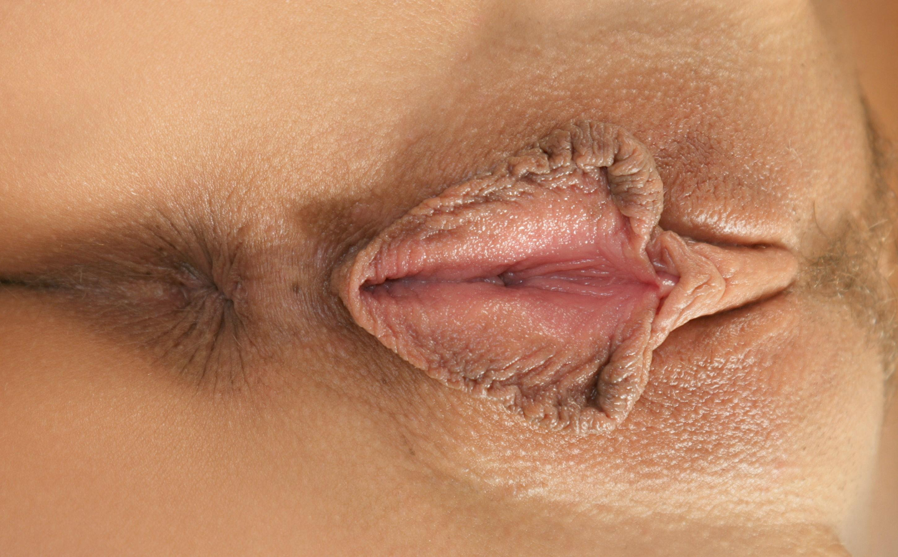 opening-shaved-lips