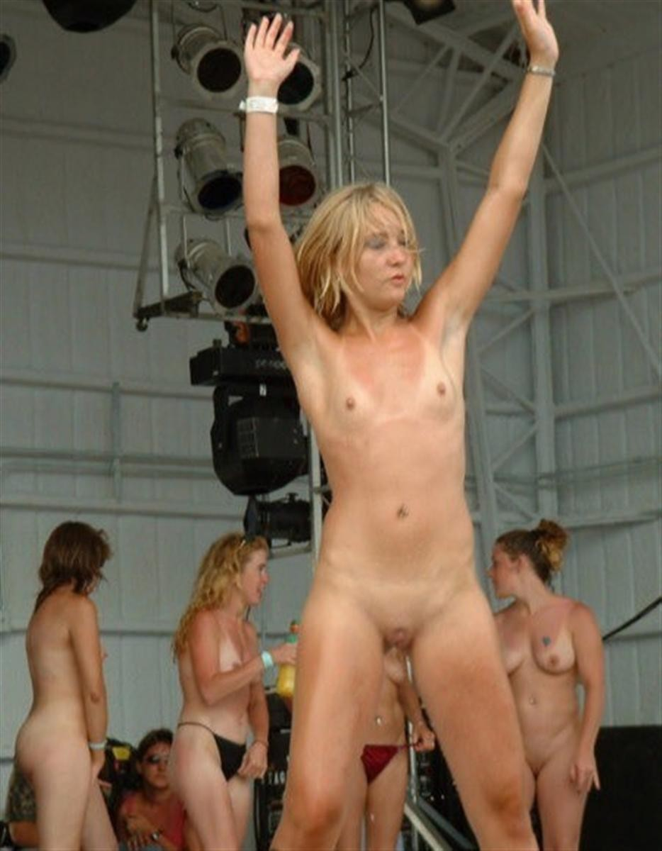Love on the wild hot naked