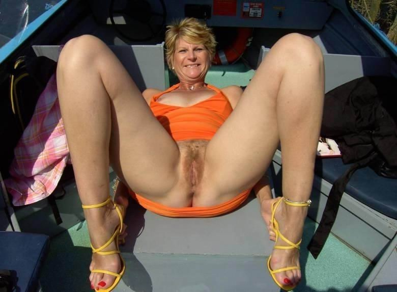 Nasty amateur mature fingers and dirty talk
