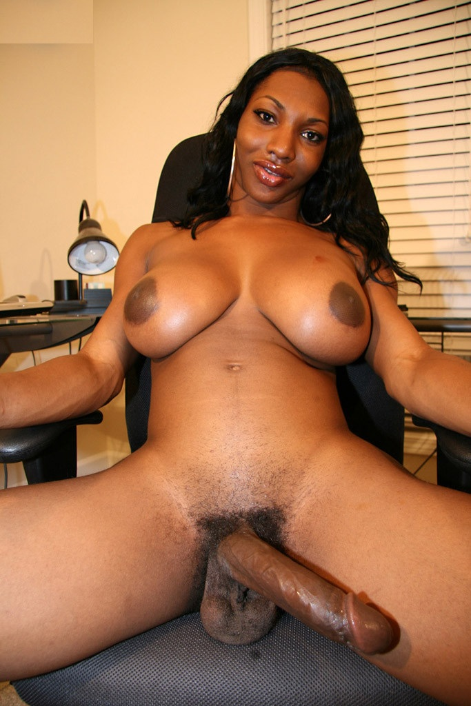 Must See Hung Black Shemale