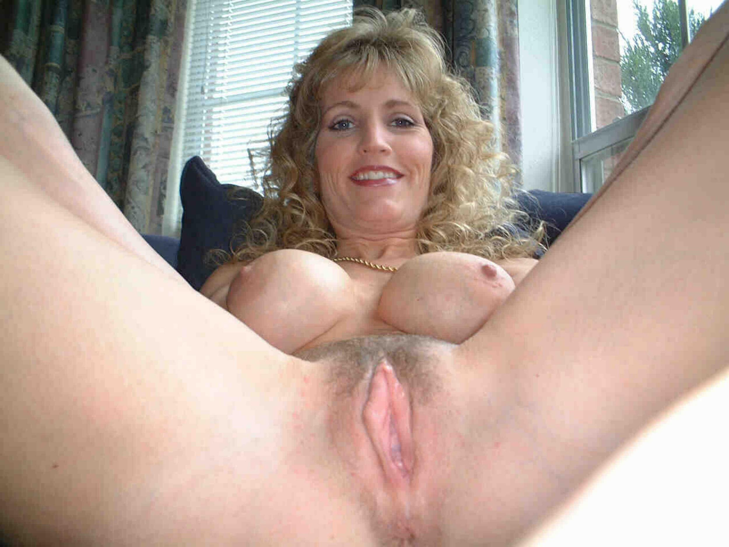 Amateur nude wife pussy