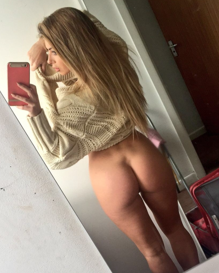 Sexy ass young girls in selfies xxx 14
