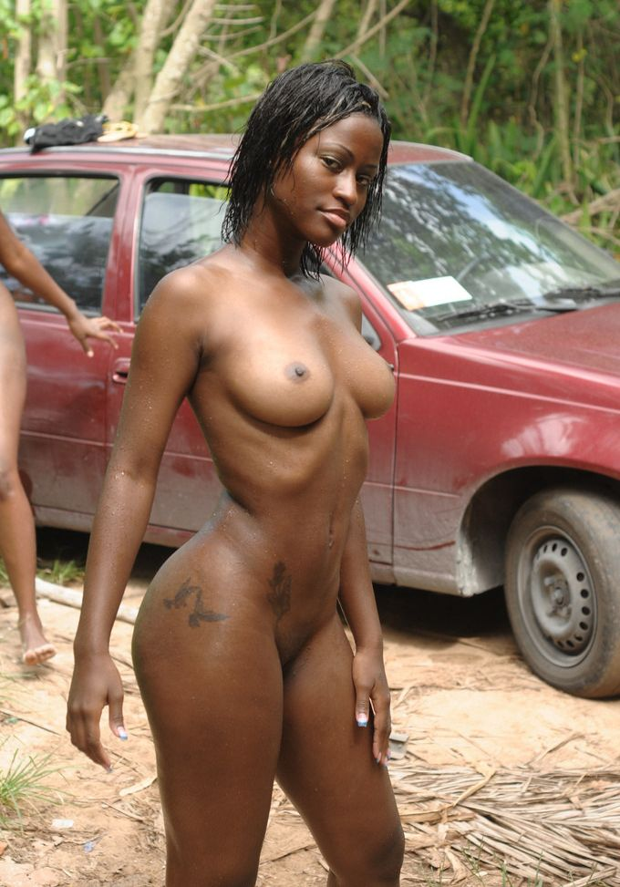 Ebony nudist photos