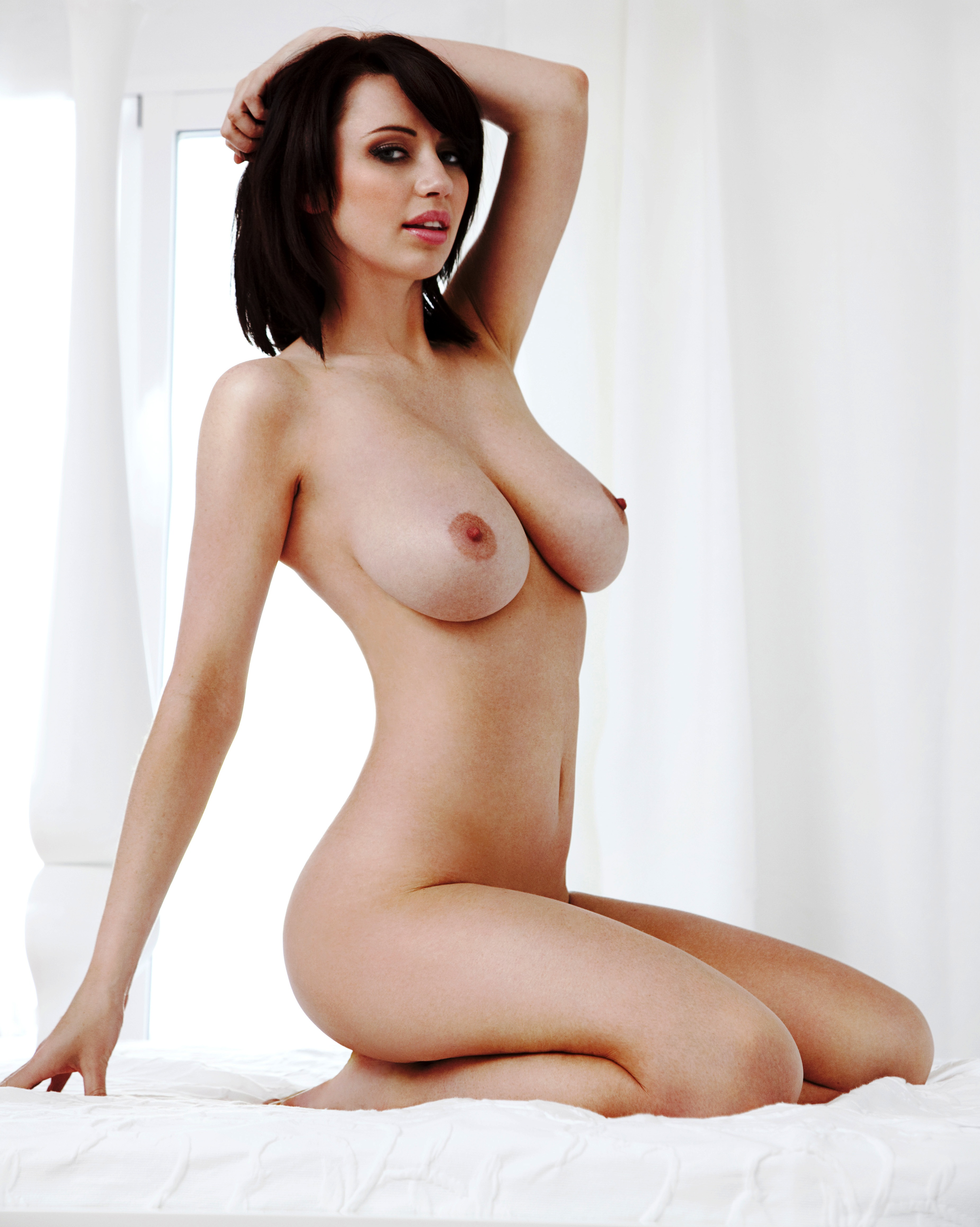 sophie-howard-naked-pics-tv-pussy-oops