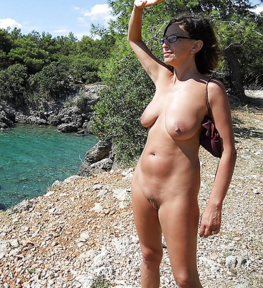 Amateur nudists pictures