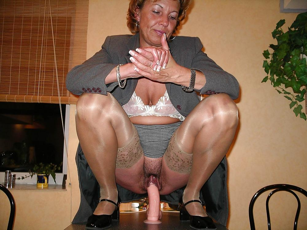 Amateur porn mature ladies 7