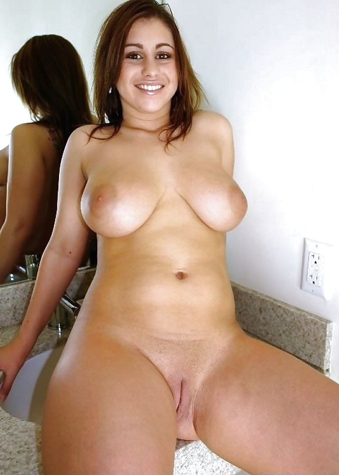 Big cock cumming in her mouth