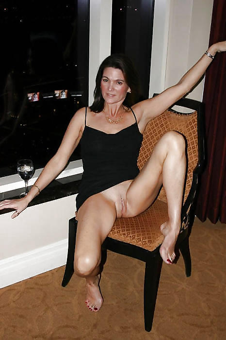 Sexy milf legs and feet