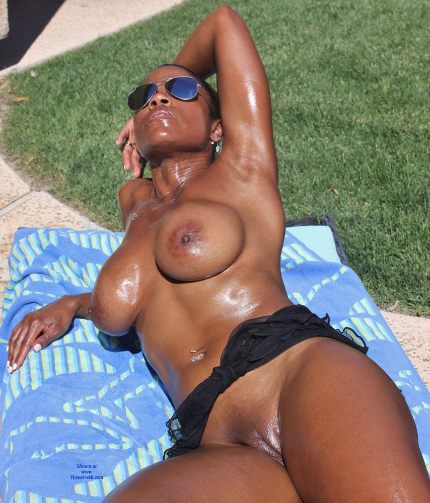milfs swimming in the nude