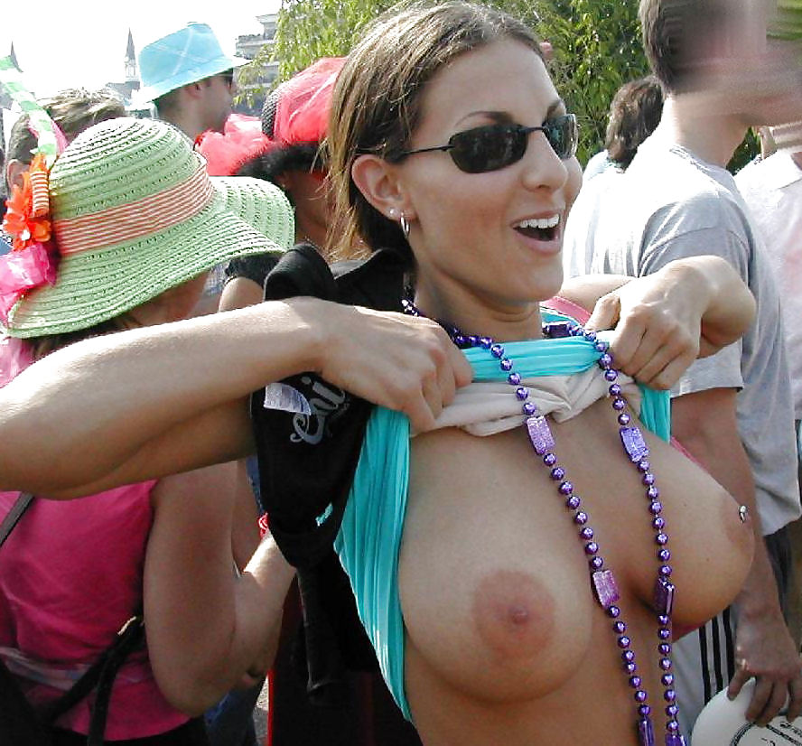 Girls Flashing Their Tits