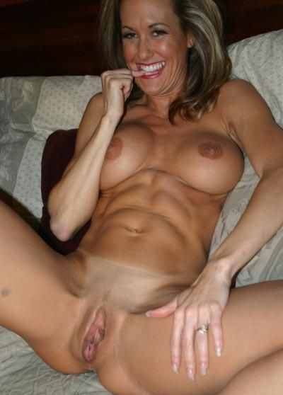 girl-abs-and-pussy