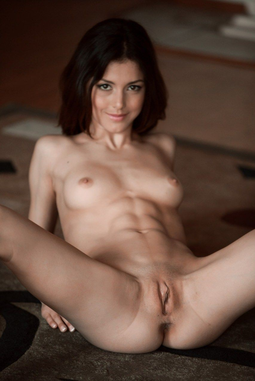 Nude hot Extreme women