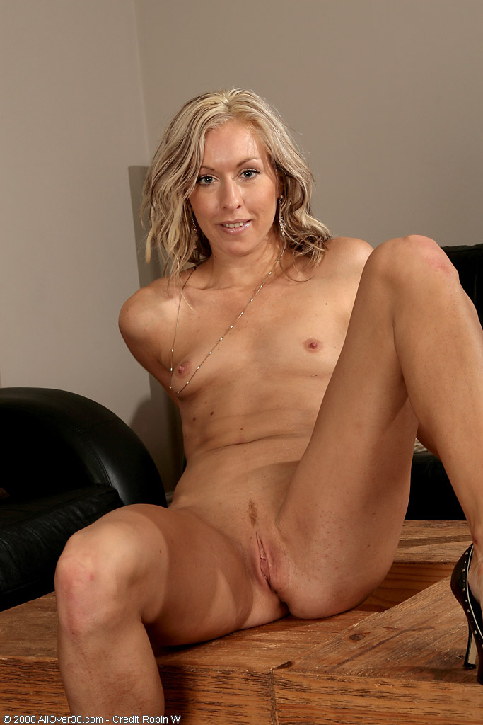 Over 30 shaved pussy blonde milf all