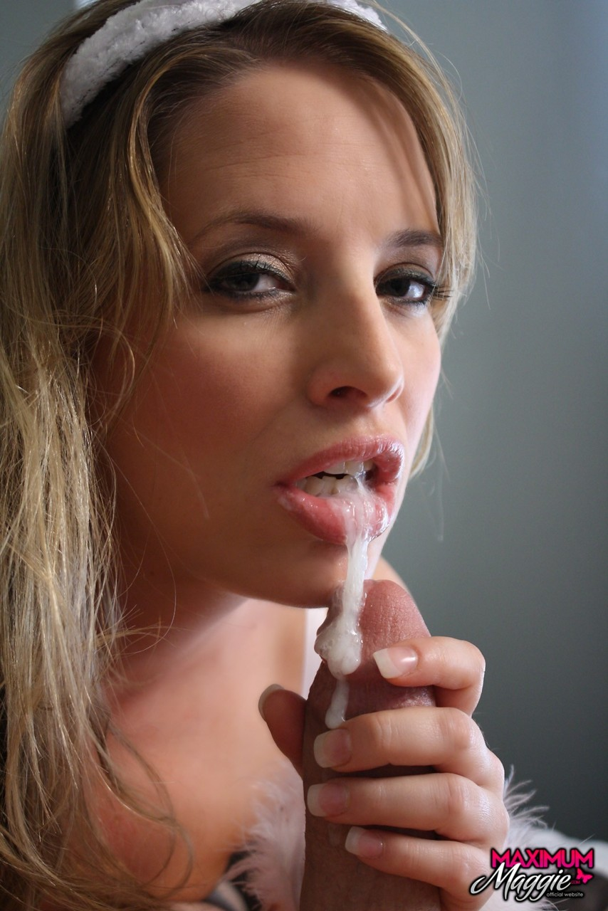 Amateur cum dripping mouth