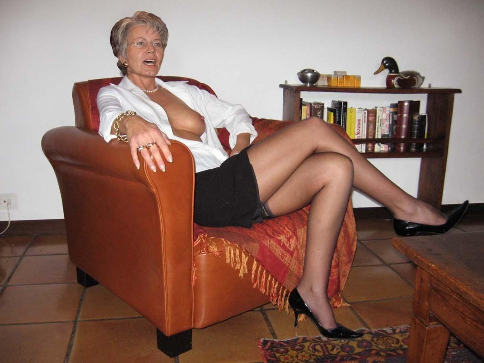 Mother in law in pantyhose