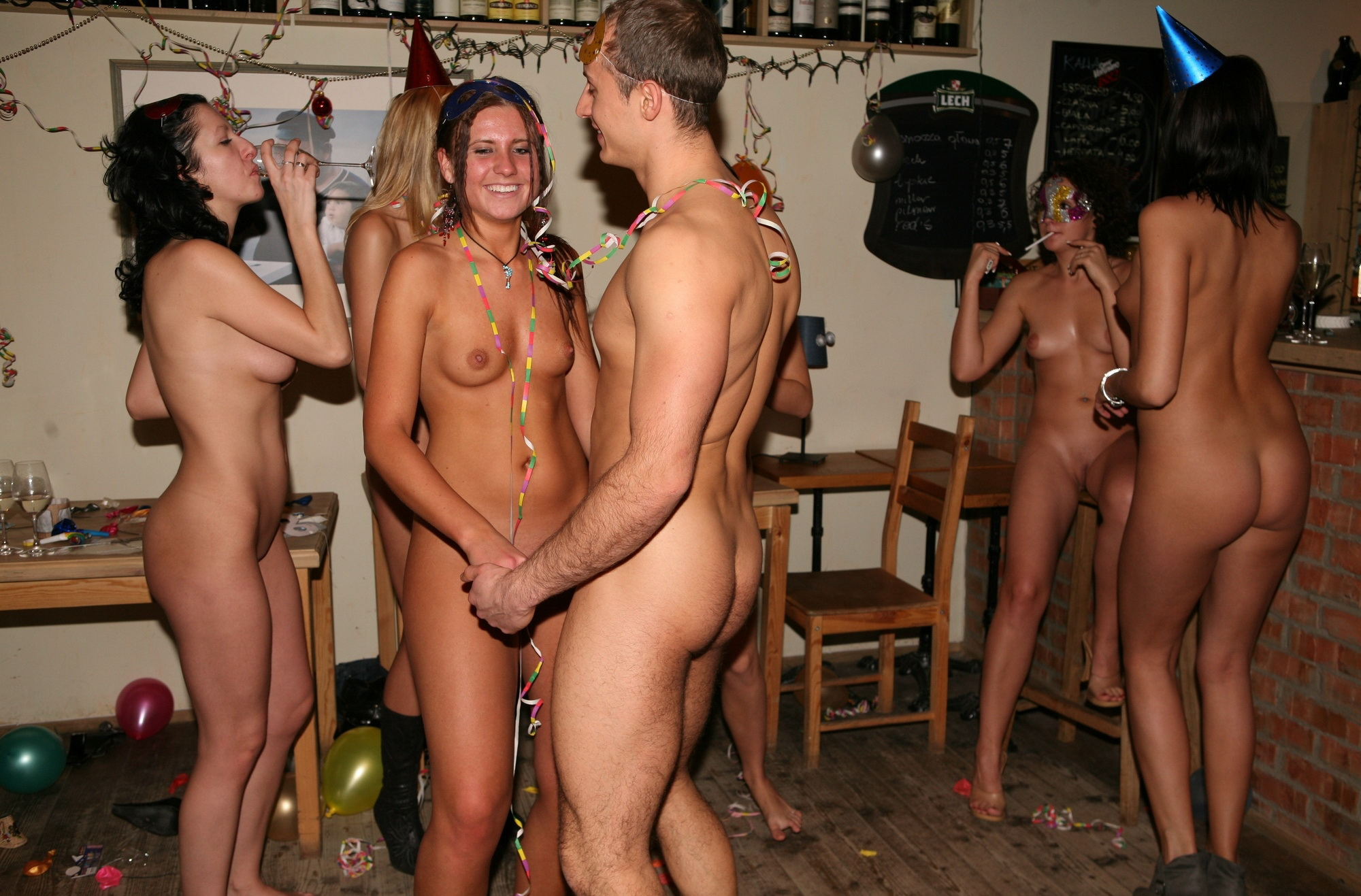 Free Nude College Party Girls